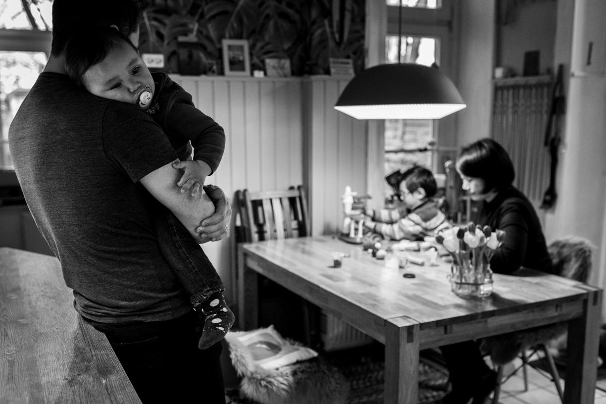Familiefoto in der Küche.