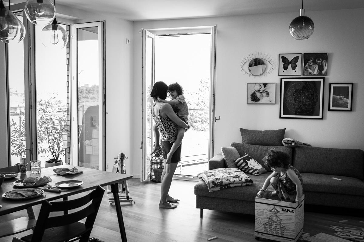 Familiendokumentation zu Hause. Wohnzimmer.